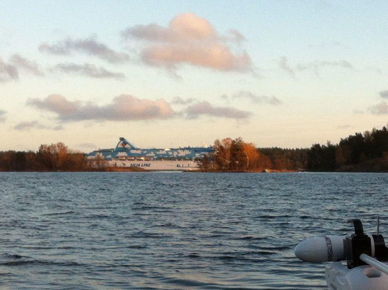 Tacka vet jag Finlandsbåtarna - det vet man iaf alltid var de är...