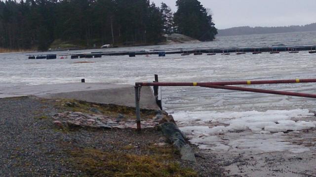Hamnen Grovstanäs i slutet av Januari 2015, lockande men inte ännu:)